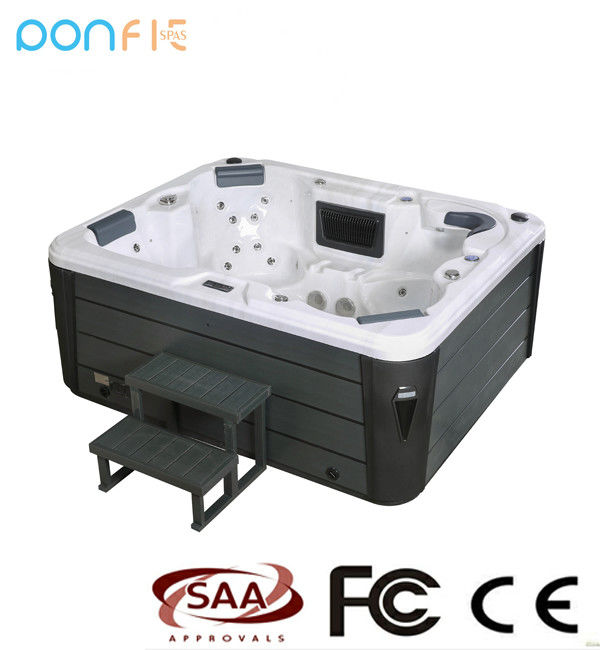 Acrylic Material Outdoor Whirlpool Tub , 1 Lounges Massage Outdoor Hot Tub